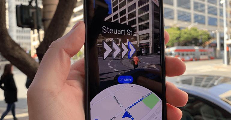 => La navigation GPS en réalité augmentée avec Live View !